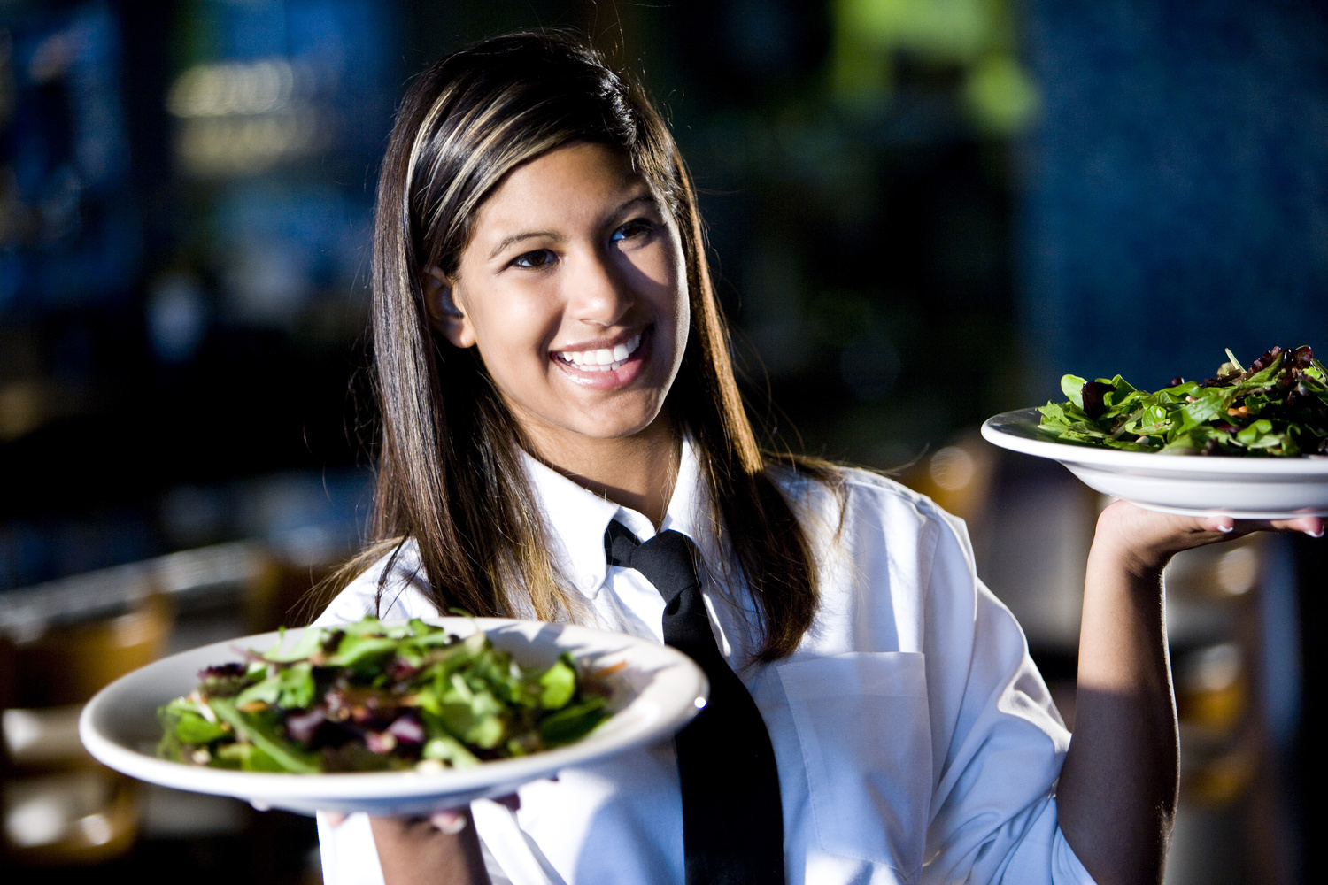 3 Reasons Why Right Staff Make the Best Restaurants