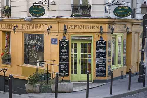 5 Management Challenges for Bistro Owners